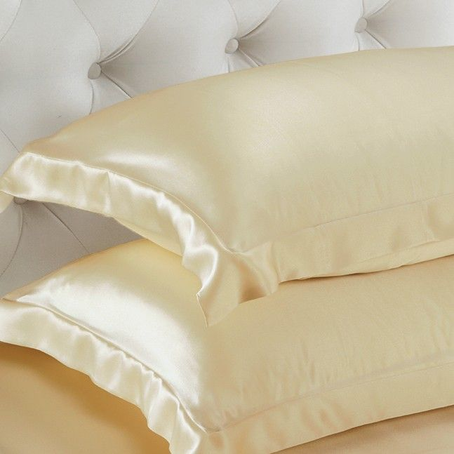 Oxford Silk Pillowcases are kind to facial skin and hair. Get rid of frizzy hair and wrinkles on face from now on!