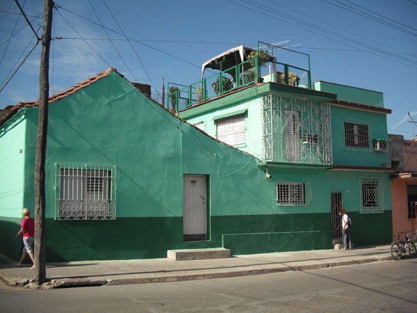 Casa Bada   Owner:                  Reinaldo Bada City:                     Camaguey Address:               General Gomez 401 / Bembeta y Cedano