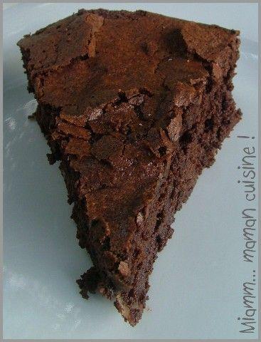 Gâteau fondant et craquelé au chocolat (Julie Andrieu)