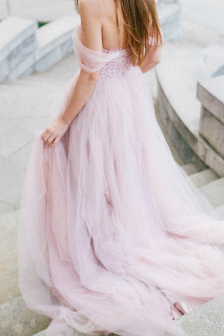 Мнение: Ангелина Андросова об оттенках свадебных платьев