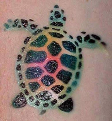 Tatouage de tortue avec joli design lumineux