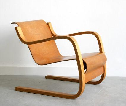 Lounge chair model 31 by Alvar Alto.
