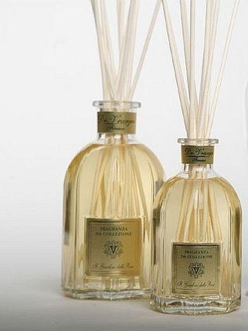 GIARDINO ROSE  Dr. Vranjes Этот коллекционный аромат парфюмер создал специально для своей любимой жены. Томный, сложный запах розы, не приторный, не сладкий, а скорее пыльный и пряный. #homefragrance #drvranjes #imagineparfum