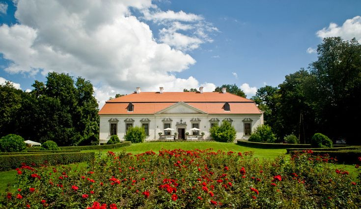 Dworek w Oborach. Źródło: www.palacobory.go3.pl