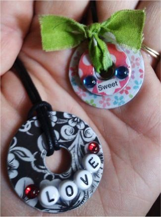 Washer jewelry....this looks easy and it's super cute. It would be a fun activity for a little girls birthday party! Or a momma's craft night.