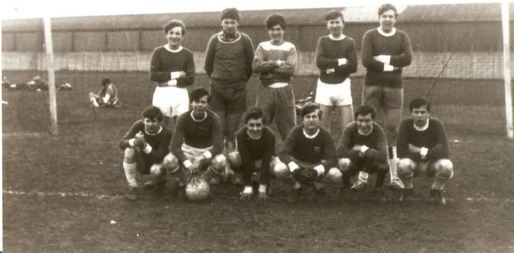Hendon FC Supporters Team. 1965 in Clitterhouse Park.