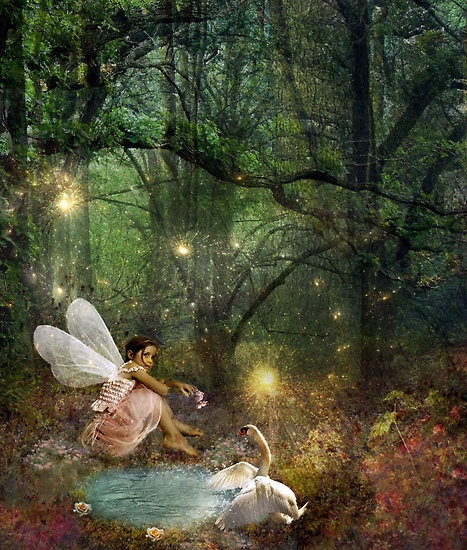 There's something about fantasy art that draws me in.  So magical.