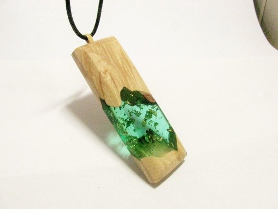 Large size wood resin fusion pendant. Crystal clear green geometric necklace. Figured maple wood. wood pendant. All natural UVpoxy.