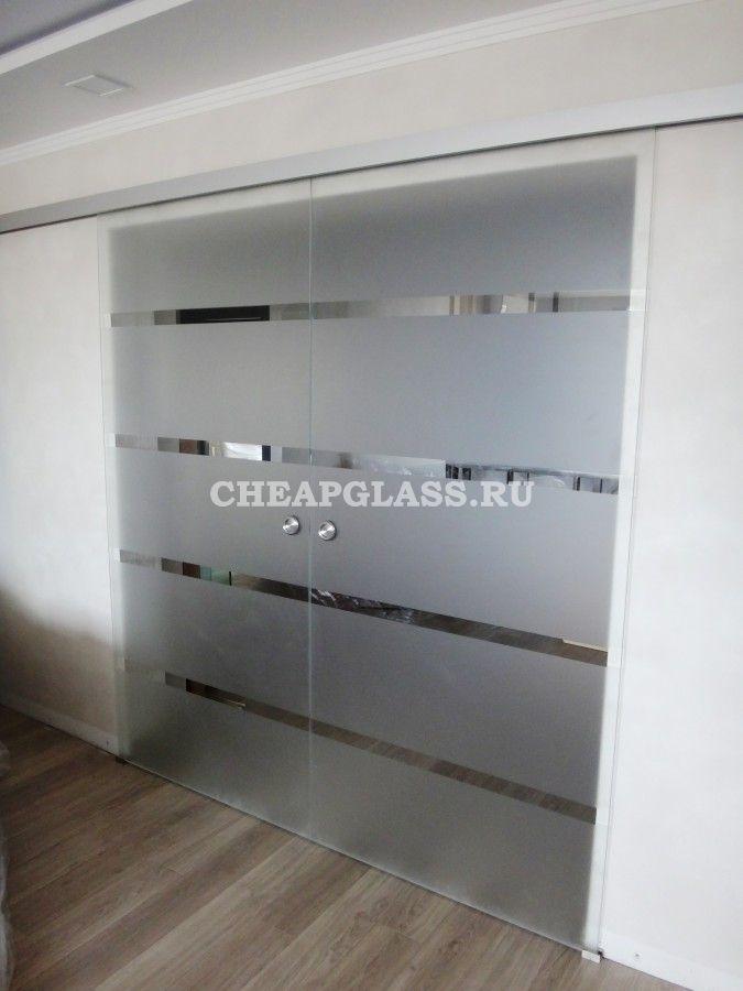 Стеклянные двери для гостиной. Закаленное осветленное стекло с частичным матированием.