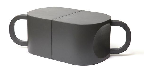 """Sixinch: Придуманные Дайсуке Мотоги """"кофейные кружки"""", из коллекции Flip, в перевернутом виде становятся креслом, стулом и кофейным столиком."""