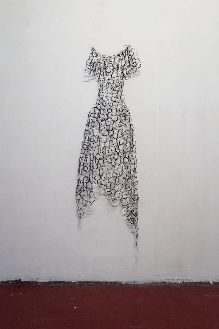 FRANCESCA ROMANA PINZARI, Reliquiae 02,2011, crini di cavallo intrecciati, 60x180 cm @ Portonaccio: artisti in condominio a cura di Achille Bonito Oliva