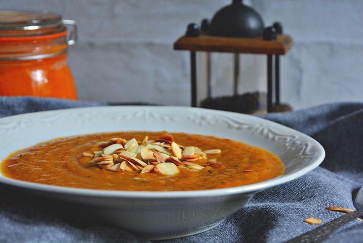 zupa dyniowa, zupa z dyni, krem z dyni, pumpkin soup, food blog, food blogger, blog kulinarny, fotografia kulinarna, food photography, food styling, przepisy