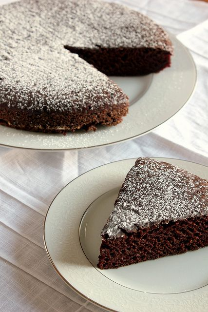 A super easy vegan chocolate cake. You mix it up in the dish you're going to bake it in, so you hardly have an dishes. Super quick and super easy, and made with healthy ingredients.