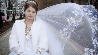 Смотреть онлайн видео Цыганская свадьба. Андрий и Чухаи. 8 серия