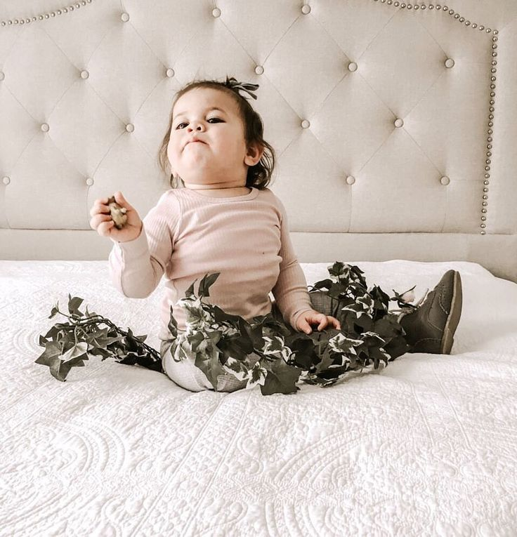"""362 Likes, 55 Comments - ↟↟ veronica vave ↟↟ (@herdaughters) on Instagram: """"➳ selina says """"i think Vali really is the boss baby"""" you know what, I think so too 😂🙈 •…"""""""