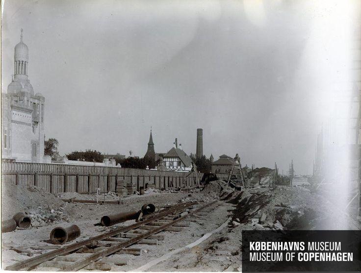 Københavns 3. Hovedbanegård Beskrivelse Opførelse af den nye personbanegård Tid Der er ingen tidsoplysninger tilknyttet