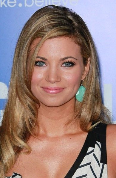 Amber Lancaster Bra Size, Age, Weight, Height, Measurements - http://www.celebritysizes.com/amber-lancaster-bra-size-age-weight-height-measurements/