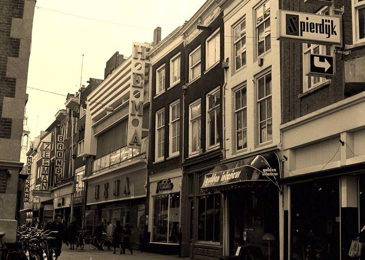 Dordrecht 1977