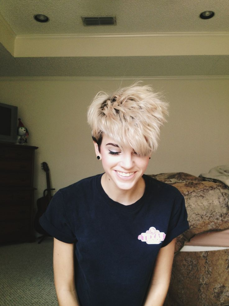 pixie style hair cut 652 best images about hairstyles on shorts 2697 | b89b9deb1a4a2a9efb3e6a798cf1be61 tomboy hairstyles edgy haircuts