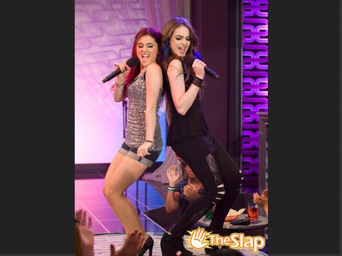 Victorious - Cat Valentine and Jade West - Ariana Grande <3