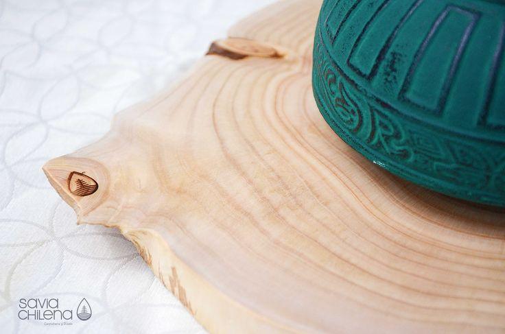 TABLA Y POSA VASOS Tabla para apoyar cosas calientes y posa vasos hechos de rodelas de ciprés, consulta por disponibilidad.