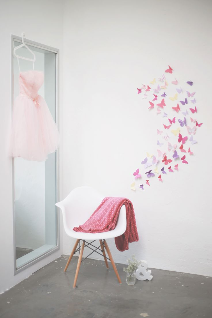 schmetterling aus tonpapier wandschmuck diy baby. Black Bedroom Furniture Sets. Home Design Ideas