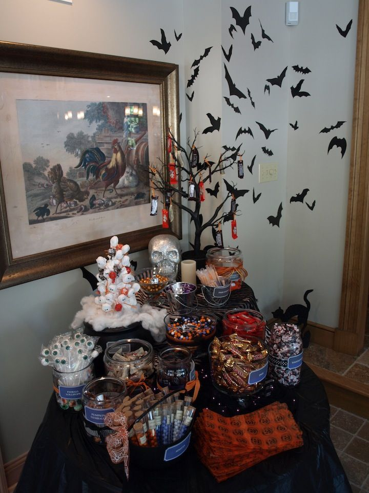 38 best images about halloween candy bar on pinterest pumpkins candy bars and candy table. Black Bedroom Furniture Sets. Home Design Ideas