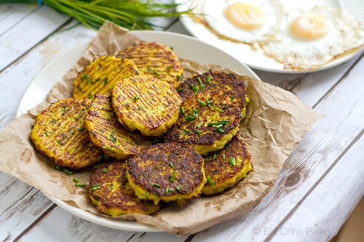 These paleo friendly cauliflower hash browns are delicious and healthy alternative to potato originals. This recipe is nut-free, grain-free and Whole30.