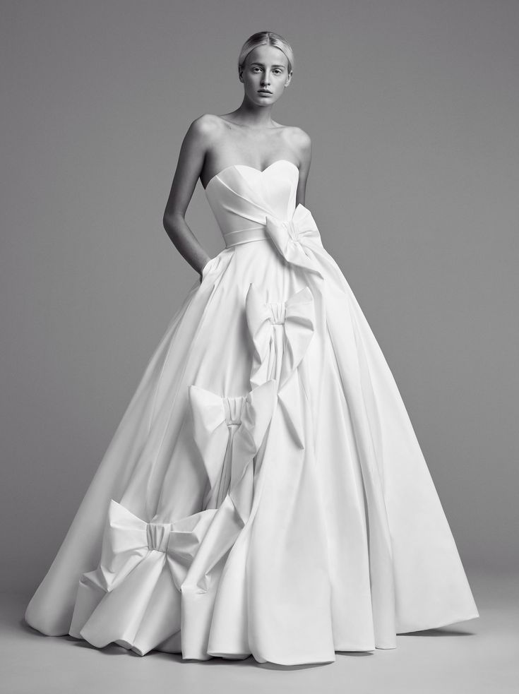 Viktor & Rolf Bridal Fall 2018 Fashion Show Collection