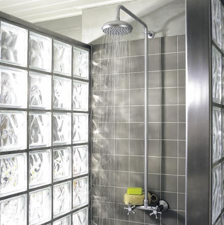 Light in the shower  Colour on fugen