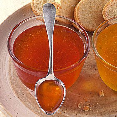 Apfelgelee - ganz wichtig ist die Zitrone Man kann wunderbar auch einen Hauch Spekulatius Gewürz dazugeben - das wird dann ein winterliches Apfelgelee ;)