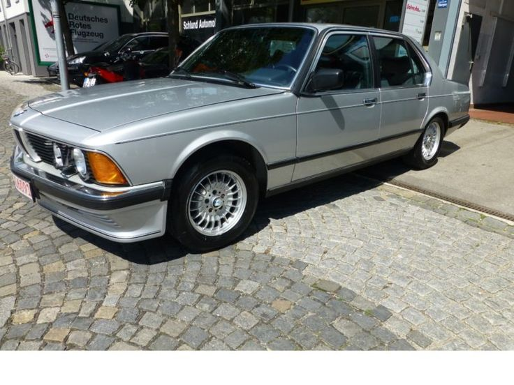BMW 745 i A Turbo BRD KFZ Orig. 83.300KM Scheckheft als Limousine in München