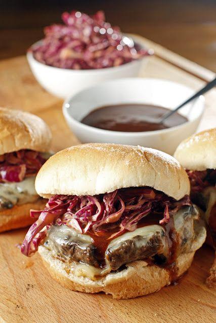 BBQ mushroom sandwich via the chubby vegetarian.: Smoked Gouda, Chubby Vegetarian, Burgers, Portobello Mushrooms, Vegetarian Bbq, Mushrooms Sandwiches, Smoke Gouda, Bbq Portobello, Vegetarian Recipes