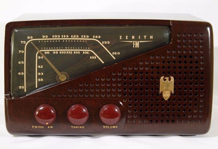 ZENITH 1948 Bakelite AM FM Vintage Tube Radio 7H822 - Fully Restored; Works Well