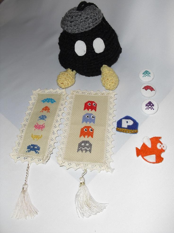 B-Bomb bags, atari bookmarks, nintendo pins/magnets
