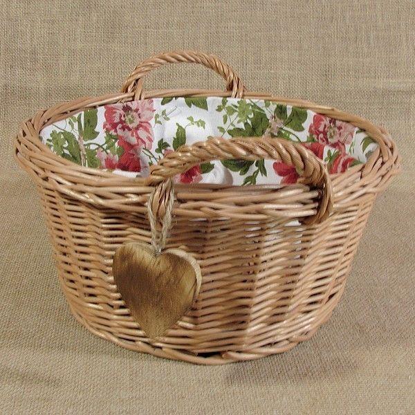 Okrągły koszyk z uszkami wyściełany materiałem wzór - czerwone róże + serduszko