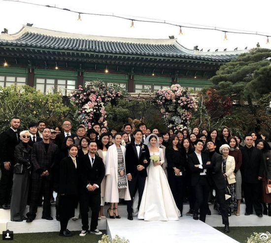 Dàn sao hội tụ trong đám cưới được mong chờ nhất năm 2017 của xứ sở kim chi.