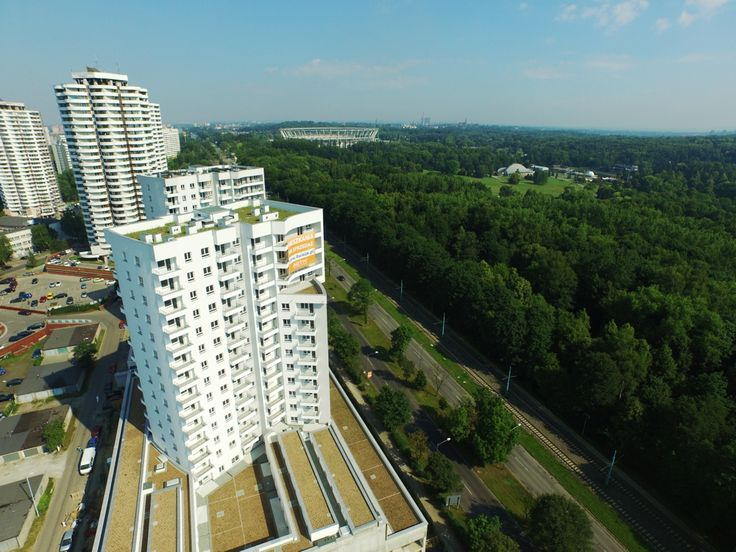 Inwestycja 4 Wieże, zlokalizowana jest naprzeciwko Parku Śląskiego przy ul. Chorzowskiej. Jeśli szukasz mieszkania w Katowicach blisko natury sprawdź ofertę mieszkań.