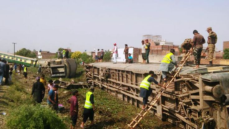 04/18/2017 - Problems in railways continue as Jaffar Express derails near Gujranwala [Pakistan].
