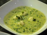 Zsenge medvehagyma leves fokhagymás krumpli gombóccal