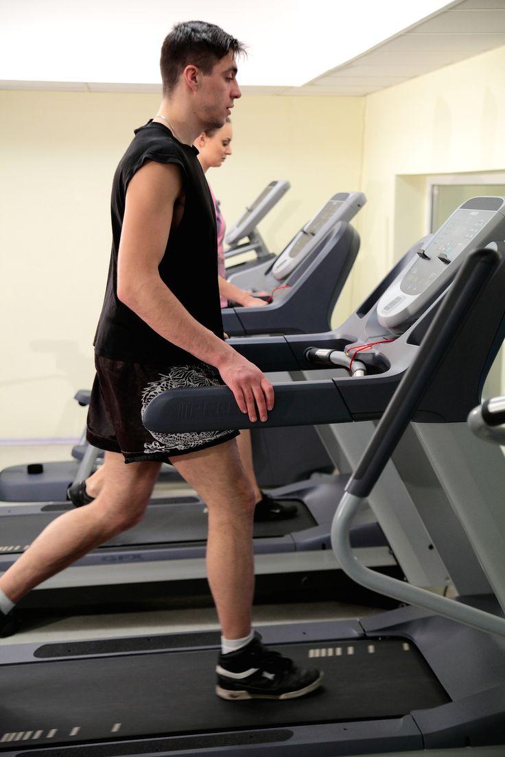 """Ćwiczenia cardio w nowoczesnej siłowni w Klinice Uzdrowiskowej """"Pod Tężniami"""" #cardio #fitness #klinika #Ciechocinek #sanatory #health"""