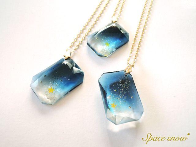 Resin jewel necklaces
