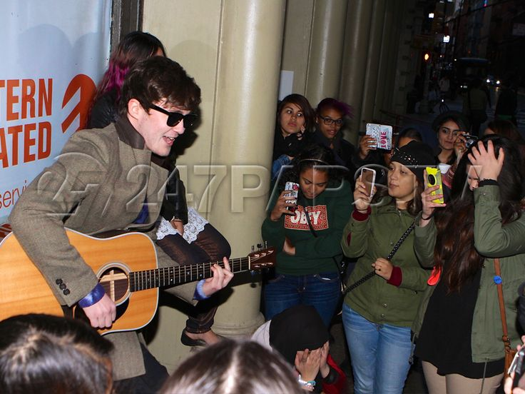 "[Photos] Jake Roche of ""Rixton"" Performs on the Streets of NYC for Fans - http://247paps.tv/photos-jake-roche-rixton-performs-streets-nyc-fans-2/ #MakeOut, #Rixton"