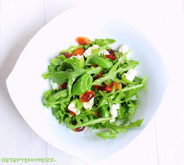 """Rezepte mit Herz   ♥: Mozzarella - Salat """" Caprese """" ♡ mit Rösttomaten"""