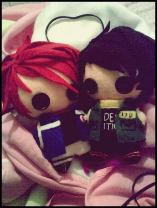 Tiny Party Poison and Fun Ghoul. Yes, this is on my Wishlist instead of MCR board. Yes, I want Gerard and Frank to keep me company. (Along with my Snape Funko.) Don't judge.