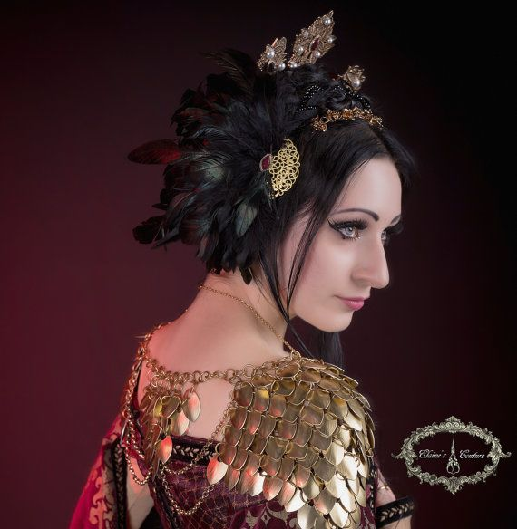 Feather headdress/ valkyrie headdress/ wings di ElainesCouture