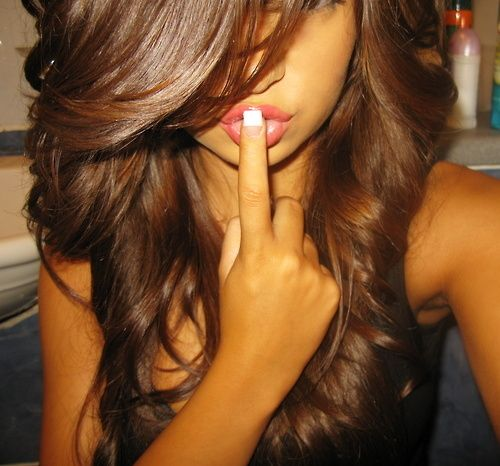 love love loveee the color of her hair!