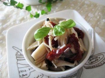 オリーブオイルとニンニクでイタリアンに。酒の肴にぴったりのレシピです。