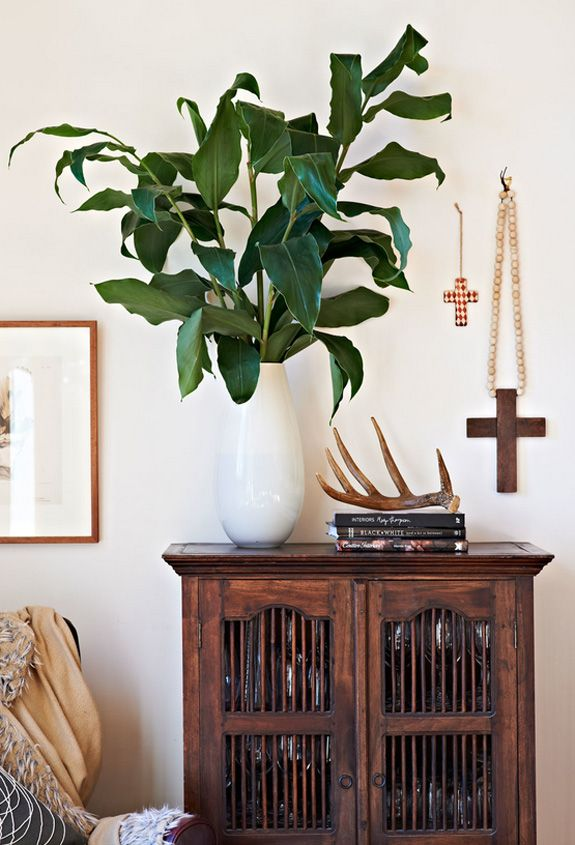Inspiration from Emma O'Meara on Desire to InspireDecor Ideas, Vintage Religious, Decorating Ideas, Living Room, Home Decor, Australian Interiors, Inspiration Interiors, Religious Iconography, Emma O' Meara