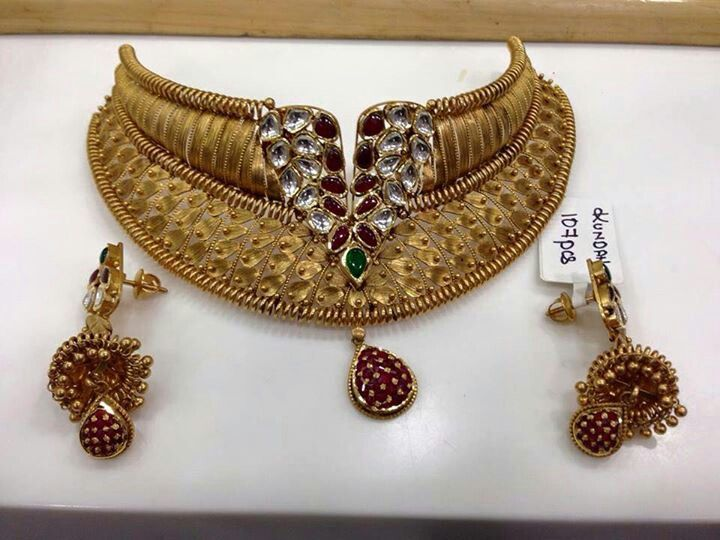 Gold and Kundan